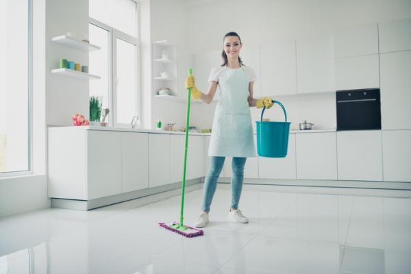 Cómo limpiar el piso de porcelana - Cómo limpiar el piso de porcelana con vinagre