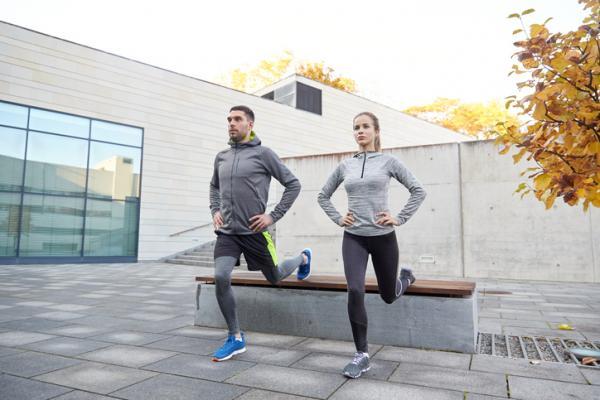 10 ejercicios de glúteos para hombres - ejercicios de glúteos para hombres: sentadillas búlgaras