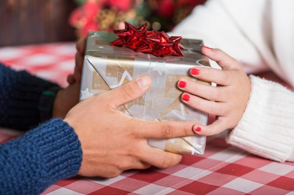 Ideas divertidas para el intercambio de regalos de Navidad