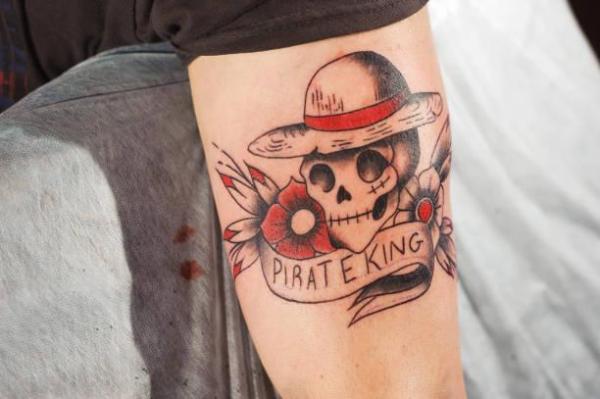 Mi tatuaje se está pelando y la tinta se está cayendo