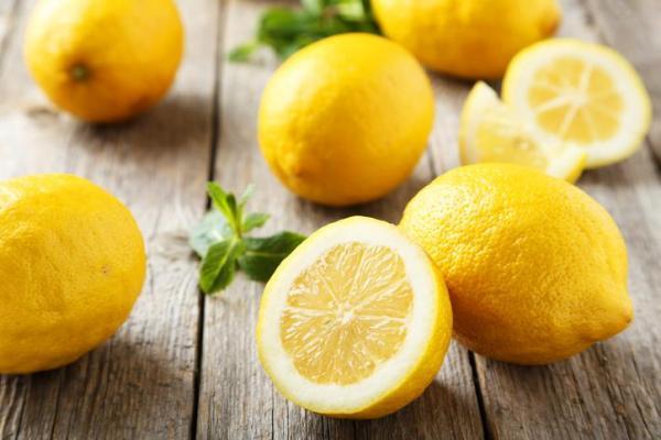 Cómo contrarrestar el exceso de sal en el arroz - Contrarrestar el exceso de sal en el arroz con limón