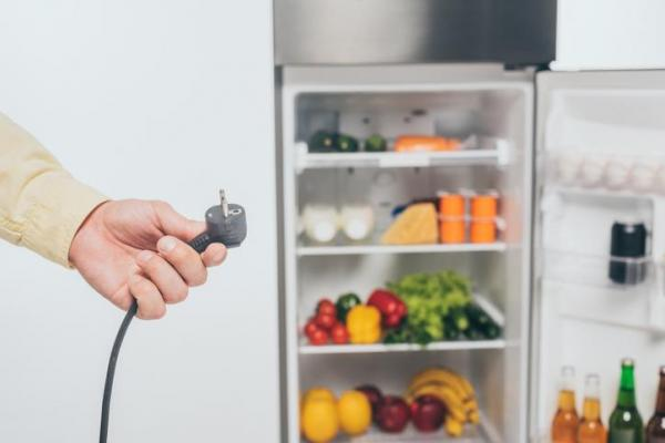 Mi refrigerador no enfría, ¿qué debo hacer? - Refrigerador desenchufado