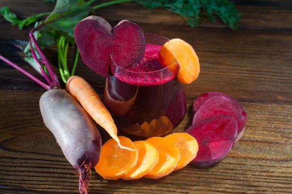¿Para qué se utiliza el jugo de remolacha y zanahoria?