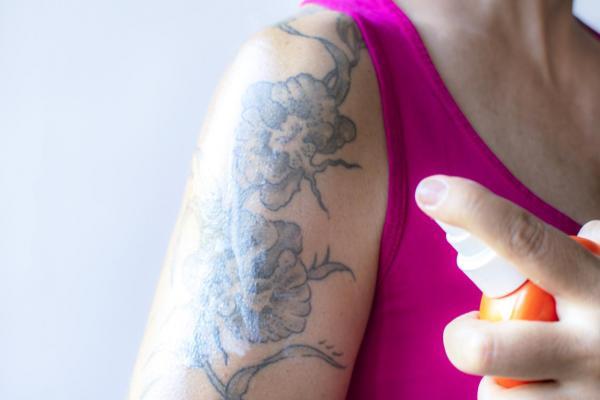 ¿Qué pasa si no hidrato mi tatuaje?
