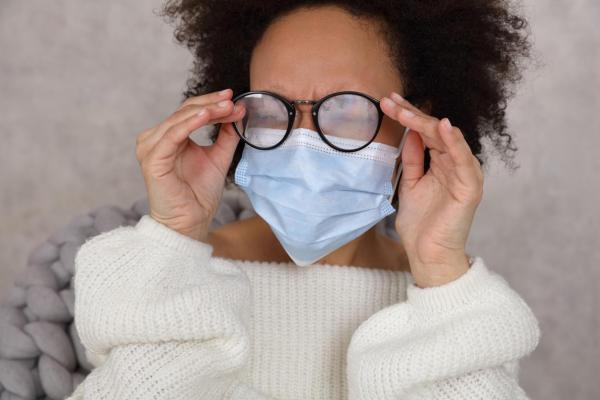 ¿Cómo evito que las gafas se empañen cuando uso una máscara? ¿Por qué se empañan mis gafas cuando uso una máscara?