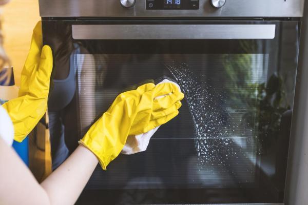 Cómo limpiar la ventana de la puerta de vidrio del horno - Cómo limpiar el exterior de la ventana de la puerta de vidrio del horno