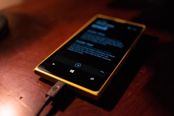 ¿Es malo cargar tu celular durante la noche? + Consejos para cargar el teléfono móvil