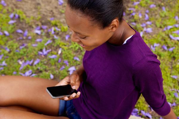 Cómo dejar de mirar tanto a su teléfono inteligente: ¿qué hay de malo en mirar su teléfono inteligente?