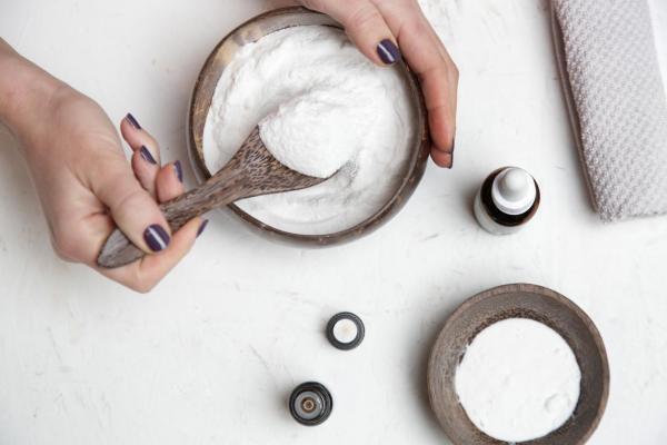 Cómo deshacerse de la caspa con bicarbonato de sodio - Cómo usar bicarbonato de sodio para deshacerse de la caspa