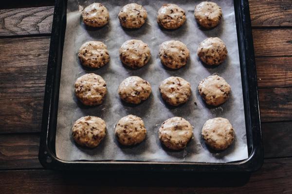 Cómo hacer galletas de avena y chocolate sin azúcar - Paso 6
