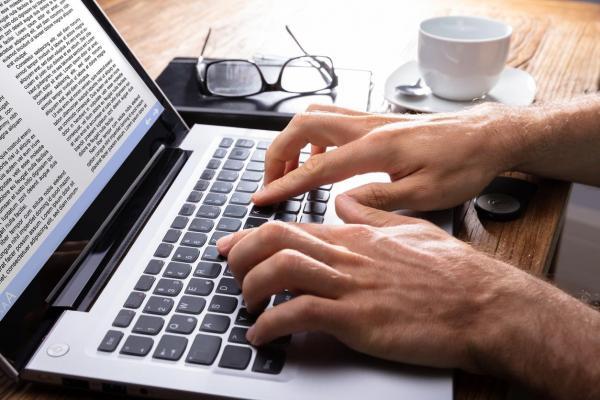 Cómo eliminar una página en Microsoft Word