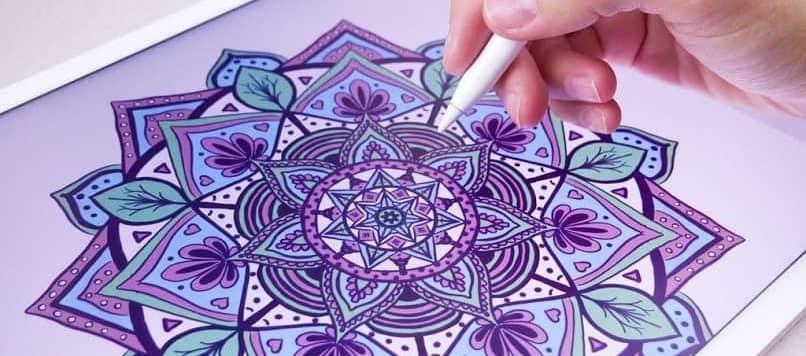 tableta para colorear mandala
