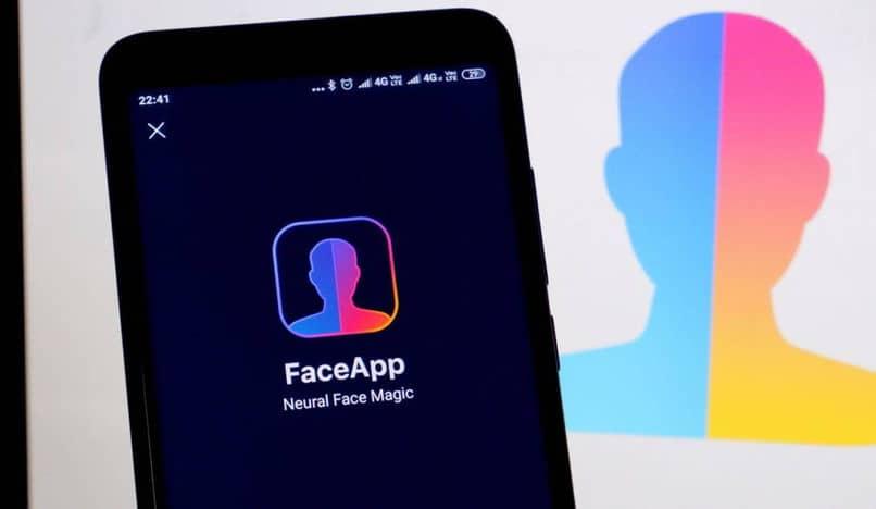 aplicación móvil faceapp