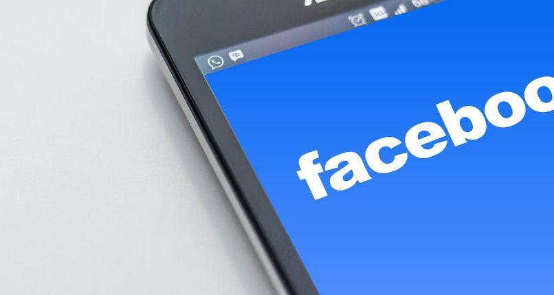 descargar historias de facebook desde el móvil