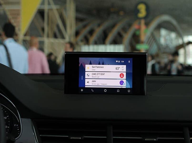 android en la pantalla del coche