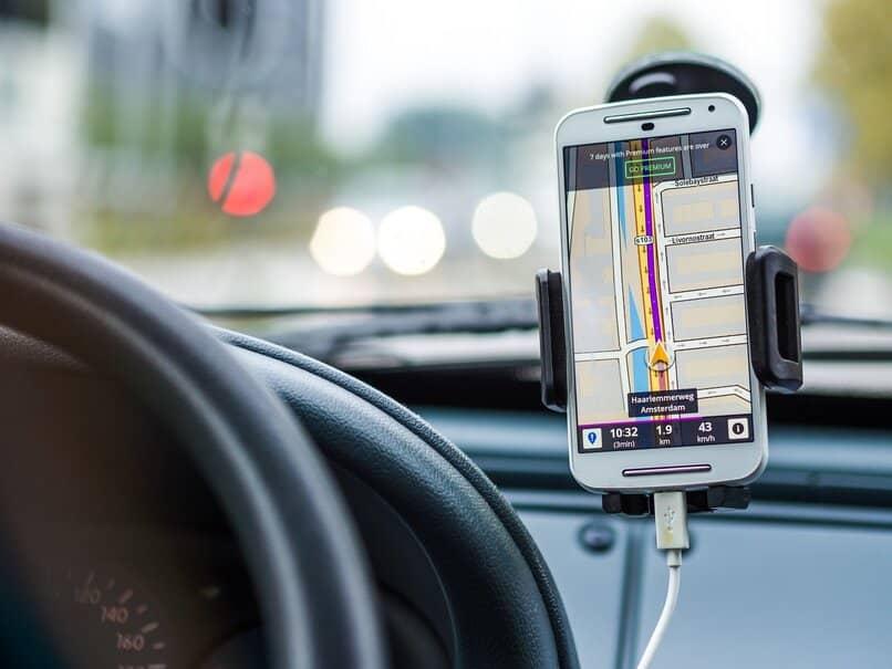 guía de viaje en coche