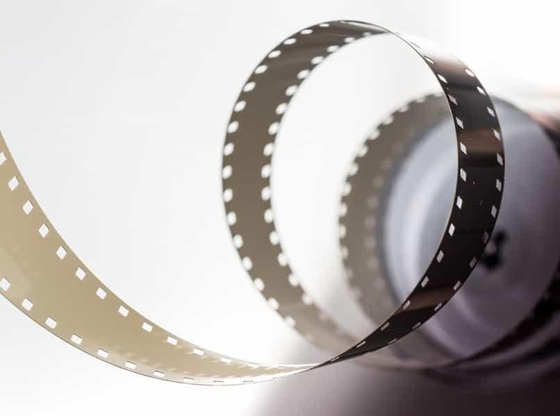 crear efecto de tira de película de photoshop 3d