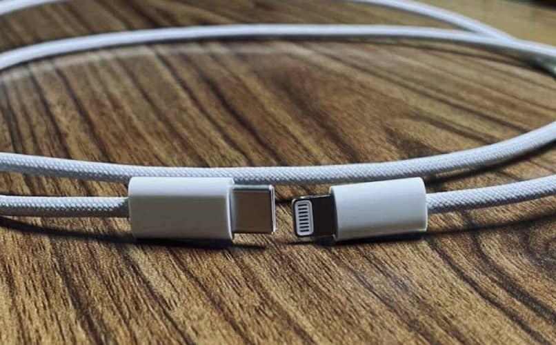 Cable del cargador de iphone