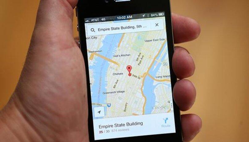teléfono con mapas de google