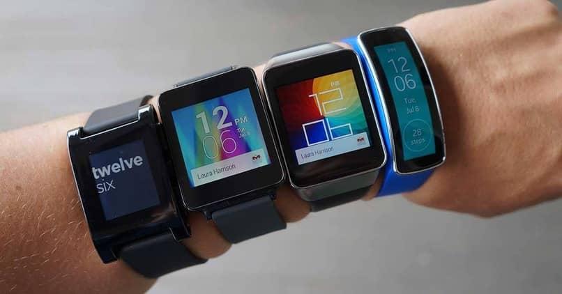 varios usuarios smartwatch