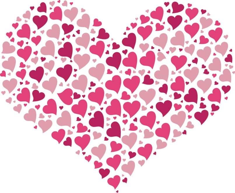 un ejemplo de forma romántica con corazones