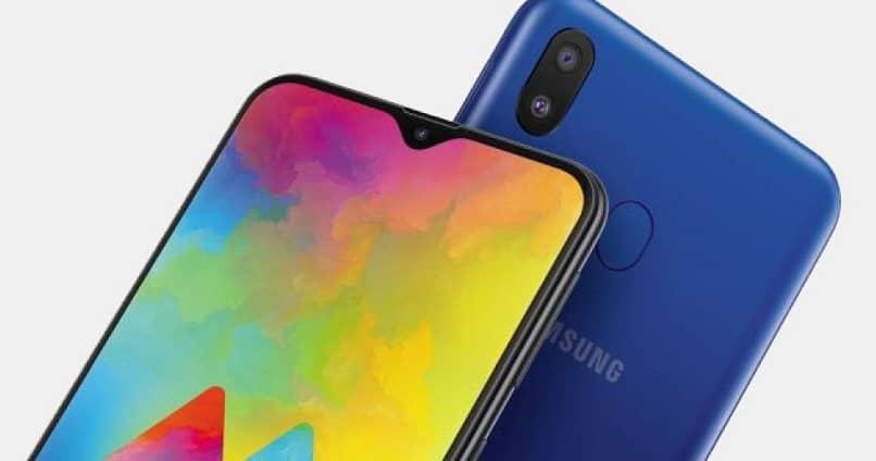 Teléfonos móviles Samsung donde se muestra el botón de encendido