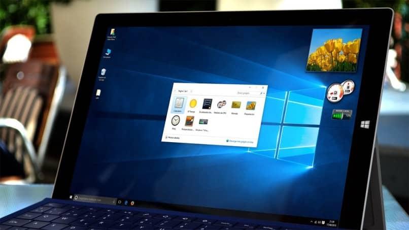 Cómo habilitar dispositivos de reloj en Windows 10: personalice su escritorio