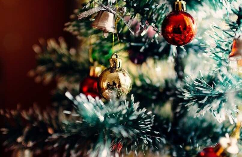 Cómo descargar los mejores temas y fondos navideños para mi teléfono Android