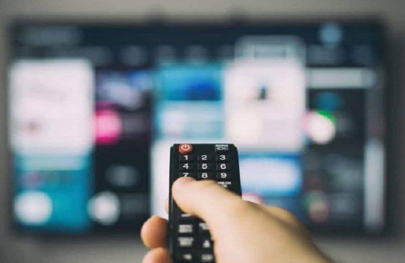 Solución: «El control remoto de AOC Smart TV no funciona o no responde» ¿Qué hacer?