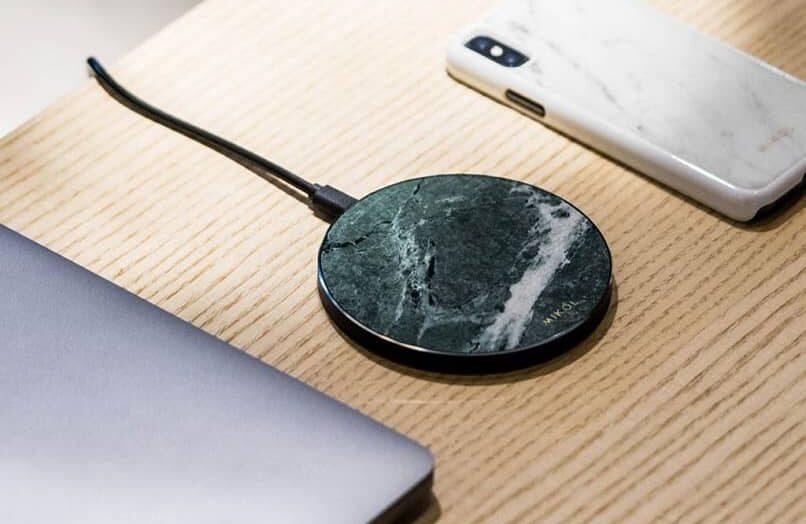¿Qué es la carga inalámbrica Qi para teléfonos Android y cómo funciona?