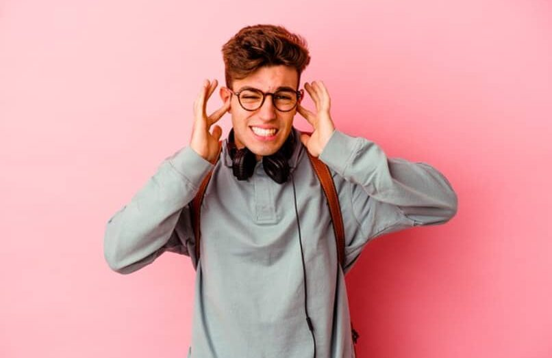 Ajusta bien los auriculares para que no duelan