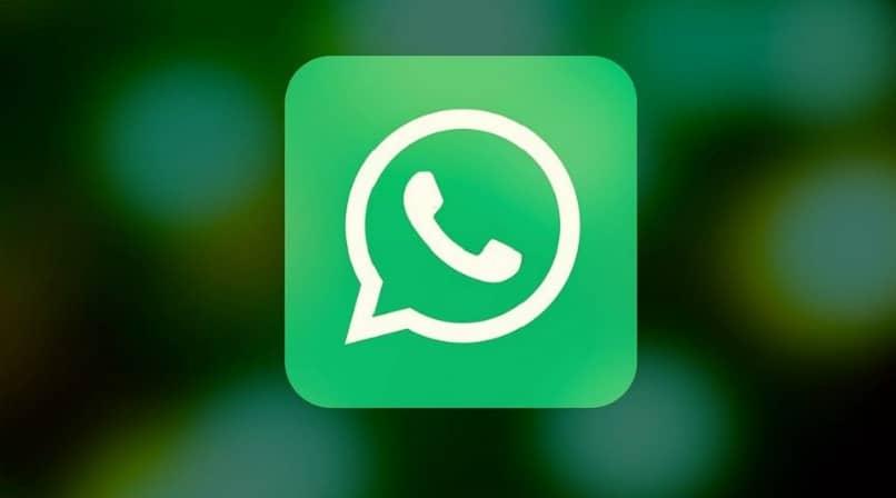 Cómo enviar, compartir o exportar un chat de WhatsApp a un contacto o mi correo electrónico