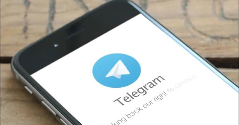 Cómo crear una carpeta de Chats archivados en Telegram desde mi Android o iPhone