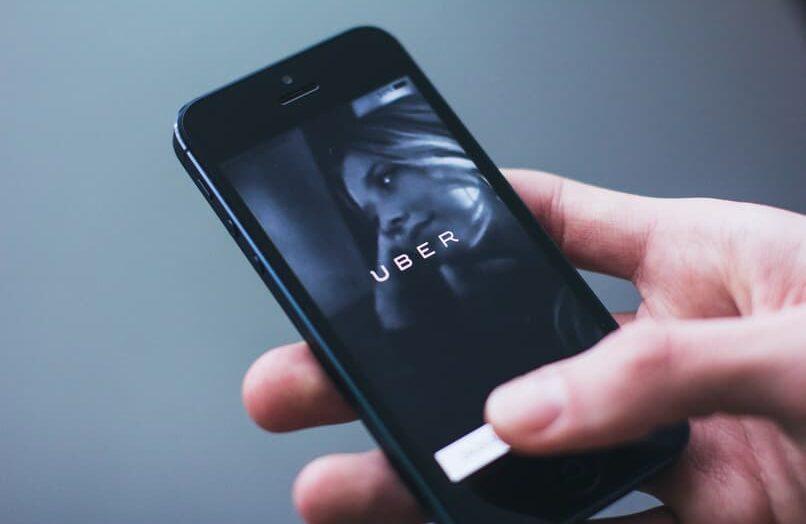 Cómo cancelar un viaje Uber perdido y solicitar un reembolso