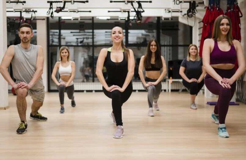 ¿Cuáles son las mejores aplicaciones para hacer ejercicio gratis en casa o en el gimnasio?