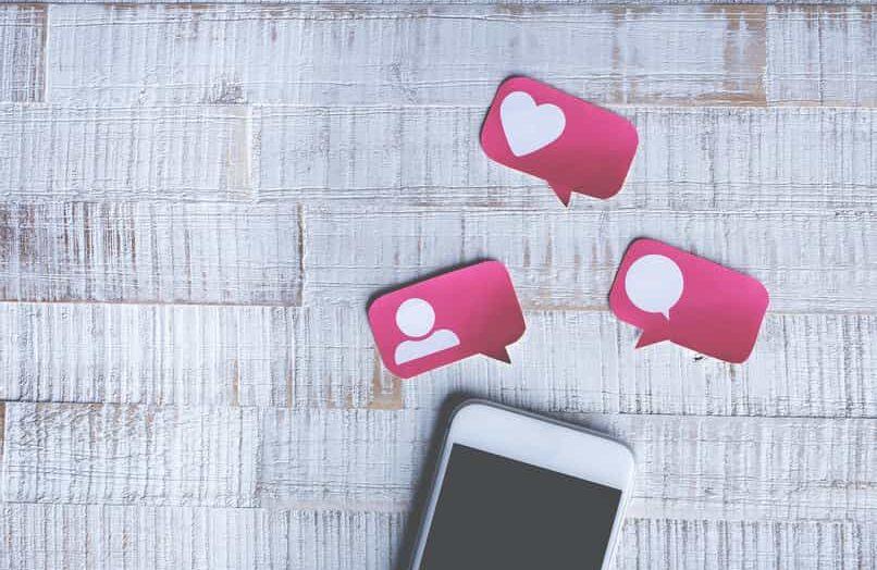 ¿Cómo puedo «reaccionar» a una publicación o un comentario en Facebook?