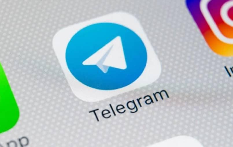Cómo crear un canal público y privado en Telegram desde iPhone y promocionarlo