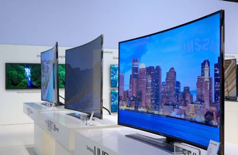 Televisión curva vs. TV plana ¿Cuáles son las ventajas y desventajas de las televisiones curvas?