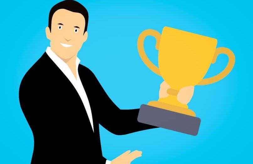 Cómo solicitar mi premio o placa de 100.000 suscriptores en YouTube: paso a paso